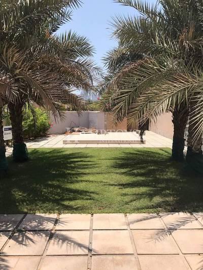 5 Bedroom Villa for Sale in The Meadows, Dubai - Lake View   5BR   Private Pool   Meadows 5