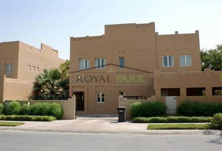 4 Bedroom Villa for Sale in The Lakes, Dubai - Hattan the lakes right on green big park