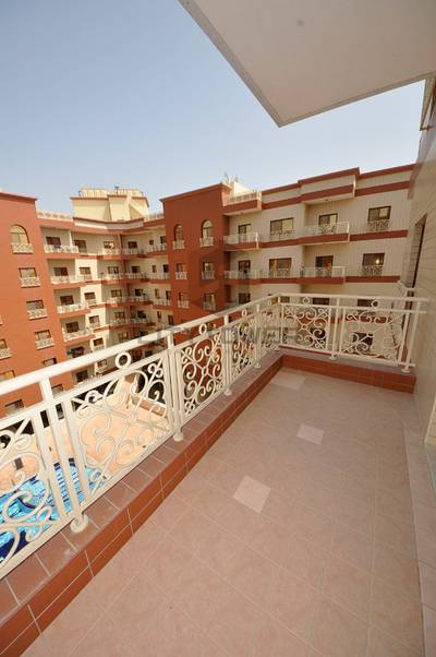 1 Bedroom Flat for Rent in Bur Dubai, Dubai - SPACIOUS 1BHK IN COMPOUND APPARTMENT WITH ALL AMINITIES.