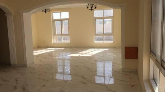 فیلا  للايجار في براشي، الشارقة - فیلا في براشي 5 غرف 135000 درهم - 3754689