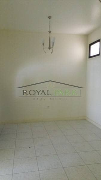 amazing 3 bedroom villa with maids room big hall and majlis for rent