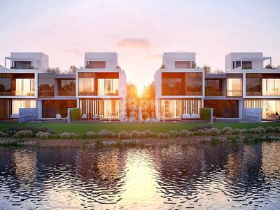 3 Bedroom Townhouse for Sale in Jumeirah Golf Estate, Dubai - Free Service charges | Free membership |