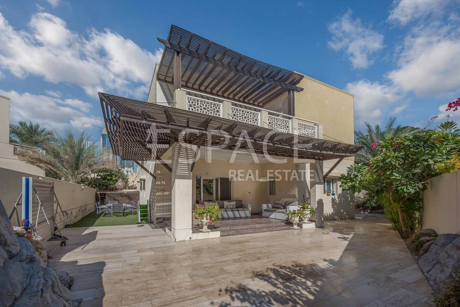 Cul Del Sac | Fully Upgraded | Well Kept