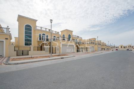 4 Bedroom Villa for Sale in Jumeirah Park, Dubai - Brand New | Away from Cables | VOT