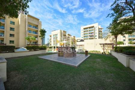 2 Bedroom Apartment for Rent in The Greens, Dubai - Large 2 BR  Apt plus study with Pool View
