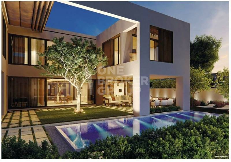 6 Bedroom Luxury villa with water and park view*corner plot