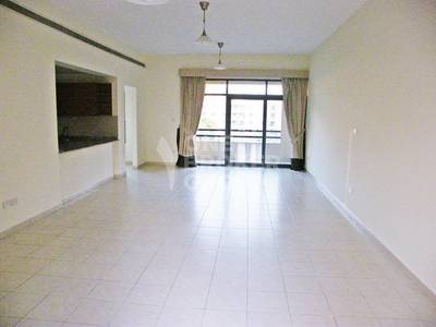 2 Bedroom Flat for Rent in The Views, Dubai - Very Large 2 BR plus Study Close to Shops