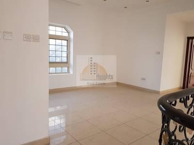 فیلا  للايجار في الفلج، الشارقة - Huge 4Bhk Duplex Villa Available in Al Falaj Area  in Low Rents