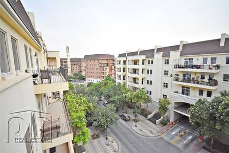 2 Bedroom Flat for Sale in Motor City, Dubai - Vacant | Well-Maintained | Community View