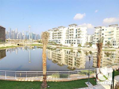 4 Bedroom Townhouse for Sale in Jumeirah Islands, Dubai - 4 Bedroom Villa | Lake and Skyline View