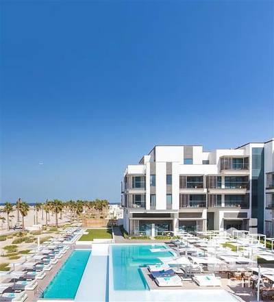 1 Bedroom Flat for Sale in Pearl Jumeirah, Dubai - Nikki Beach Exclusive 1 Br garden apt for sale