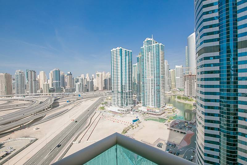 Vacant Large 1 Bedroom Apartment in JLT.