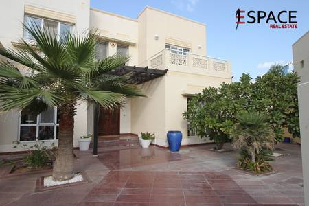6 Bedroom Villa for Rent in The Meadows, Dubai - Fully Furnished - Full Lake View
