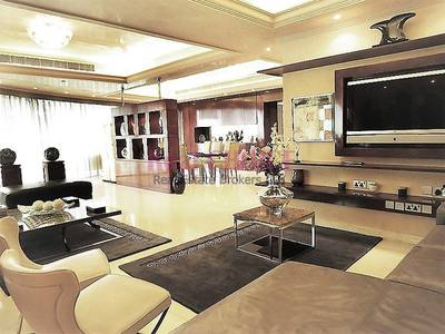 2 Bedroom Penthouse for Sale in Dubai Marina, Dubai - High Class Vacant 2BR Plus Maids Room PH