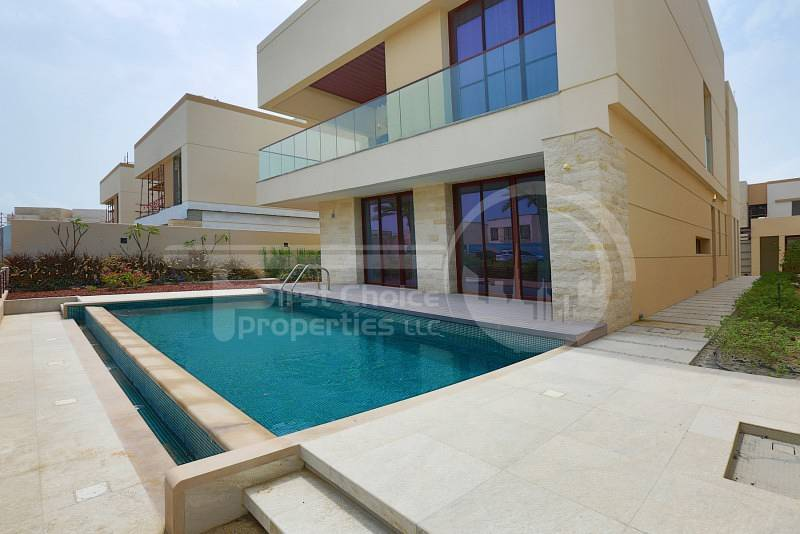 20 Price REDUCED! With Private Swimming Pool!