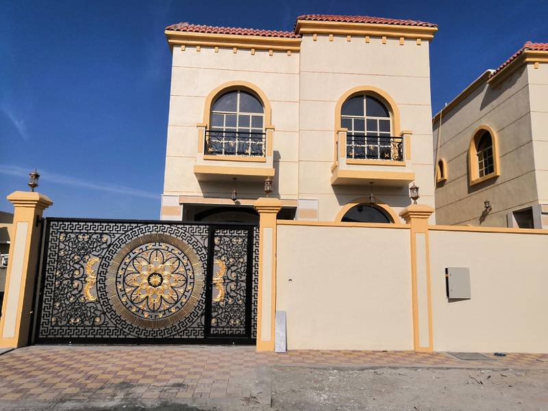 New villa facing stone, good price and excellent location with the possibility of bank financing