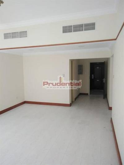 Studio for Rent in Bur Dubai, Dubai -  Swimming Pool