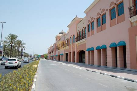 Office for Rent in Jumeirah, Dubai - Big Commercial Office Space Rental | Retail/Showroom