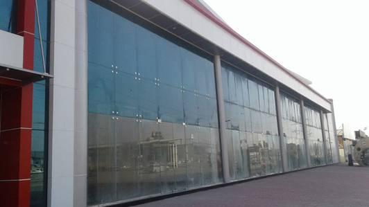 Showroom for Rent in Umm Ramool, Dubai - Spacious Elegant Showrooms No Commission