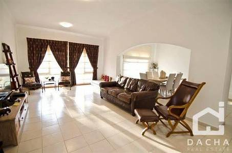 5 Bedroom Villa for Rent in The Meadows, Dubai -  5 bedroom villa opp park & pool