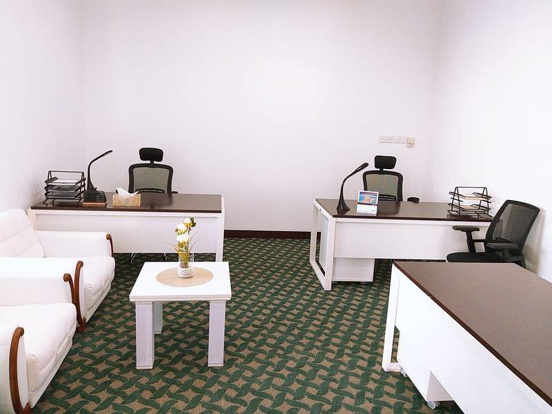 FULLY FURNISHED & SERVICED OFFICE SPACE FOR NEW BUSINESS SETUP & RENEWALS WALKING FROM METRO STATION  IN HEART OF DUBAI