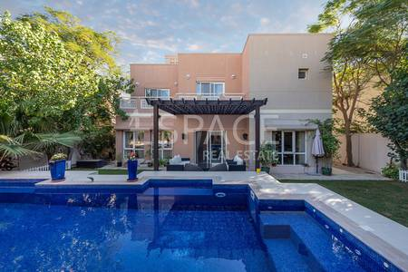 5 Bedroom Villa for Rent in The Meadows, Dubai - Great Location - Private Pool - 1st Feb