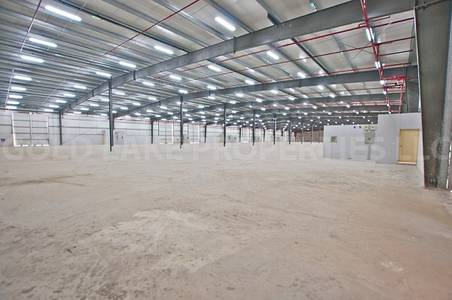 Warehouse for Rent in Mussafah, Abu Dhabi - 4.5M! Expansive Warehouse w/ 5k SQM Plot