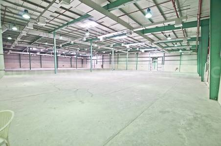 Warehouse for Rent in Mussafah, Abu Dhabi - Best Features Well Maintained Warehouse