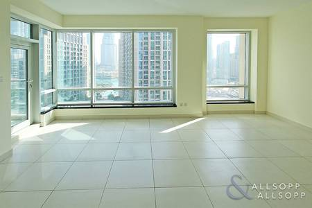 2 Bedroom Flat for Sale in Downtown Dubai, Dubai - Vacant | Lofts Central | Close to Metro