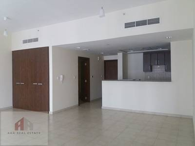 Studio for Rent in Business Bay, Dubai - available