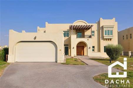5 Bedroom Villa for Rent in Jumeirah Islands, Dubai - 4 Bed Masterview  Unfurnished  Pool