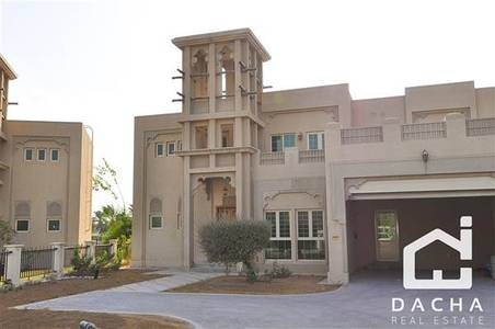 4 Bedroom Villa for Rent in Jumeirah Islands, Dubai - 4 Bed Entertainment Foyer / Unfurnished / Pool / Vacant