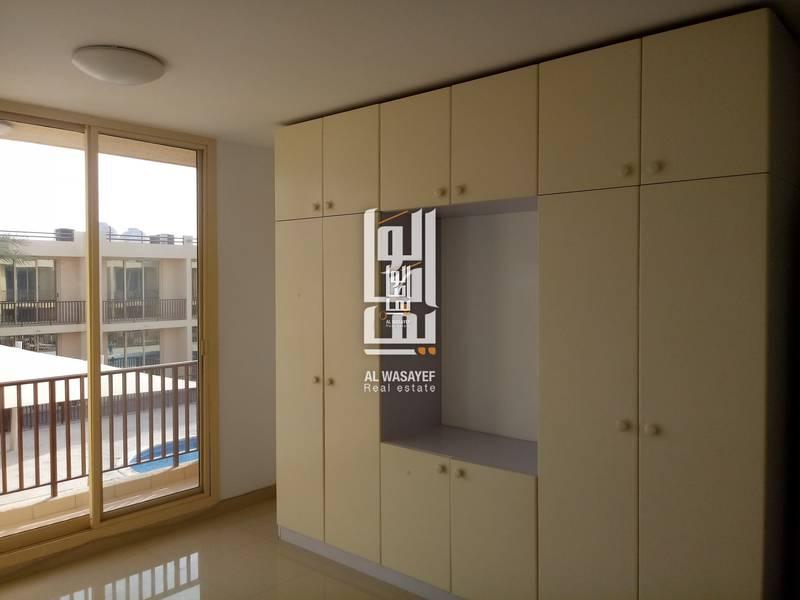 10 3 Bedroom Compound Villa In Jumeirah