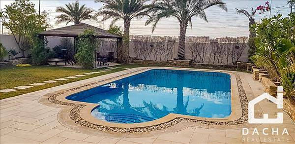 3 Bedroom Villa for Rent in Jumeirah Park, Dubai - Rare and Exceptional 3 Bed Legacy with Large Upgraded Extension and Swimming Pool