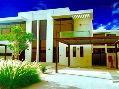 فیلا 3 غرفة نوم للبيع في داماك هيلز (أكويا من داماك)، دبي - No Room for the In-Laws! Call the Moving Company!