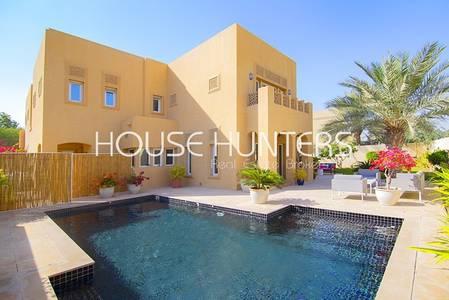 5 Bedroom Villa for Sale in Arabian Ranches, Dubai - Gallery style new Home - A sweet alfresco retreat