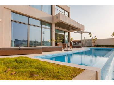 5 Bedroom Villa for Sale in Palm Jumeirah, Dubai - Brand New