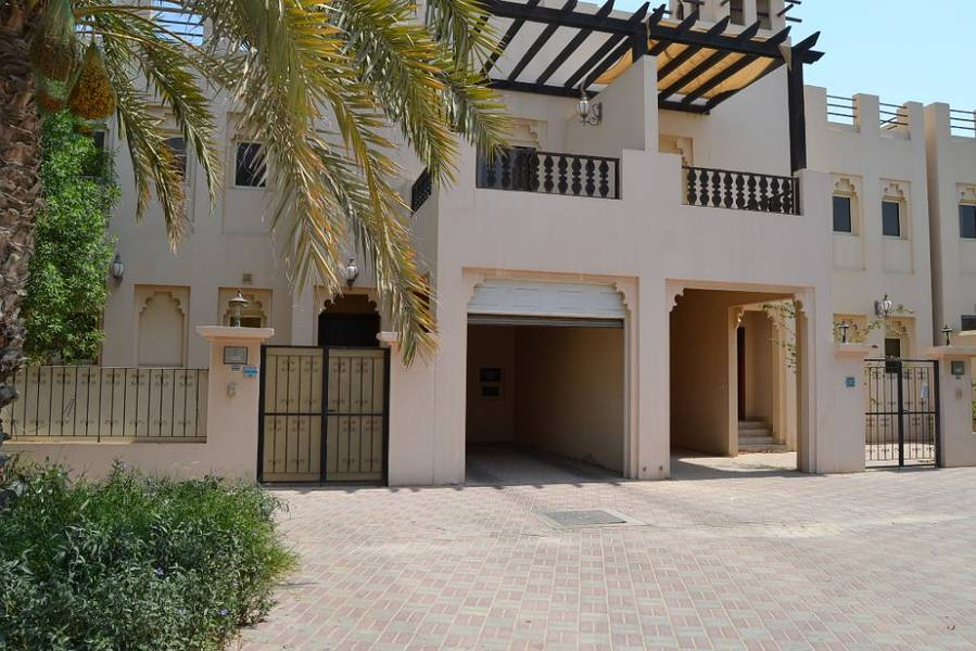 Marvelous Furnished Townhouse  With S/Pool  For Sale in Al Hamra Village.