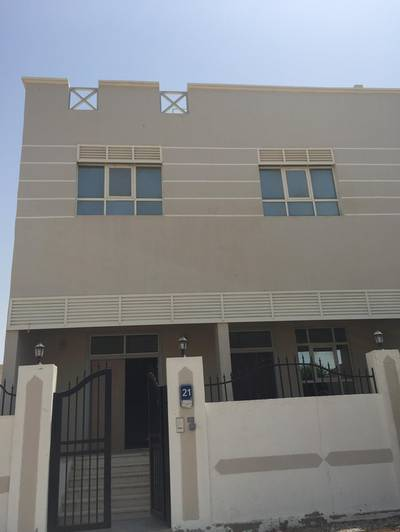 Charming Villa with ample parking for Rent