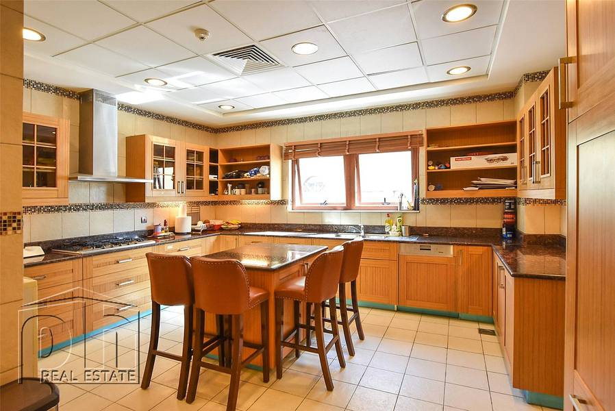 2 Bua 7575 Sq Ft  |  Upgraded Thoughout