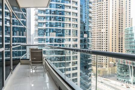 1 Bedroom Flat for Rent in Dubai Marina, Dubai - Chiller Free- Mid Floor- Unfurnished