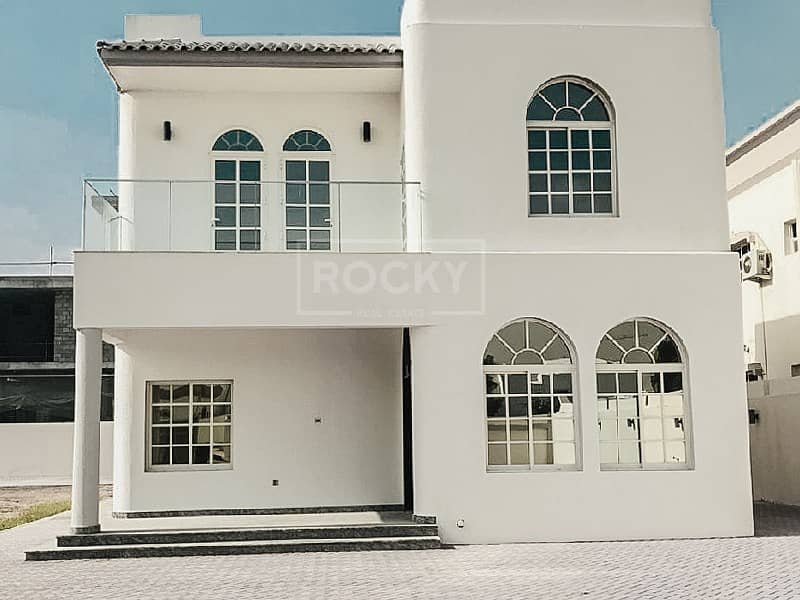 Huge Independent 3-Bed Villa in Umm Al Sheif