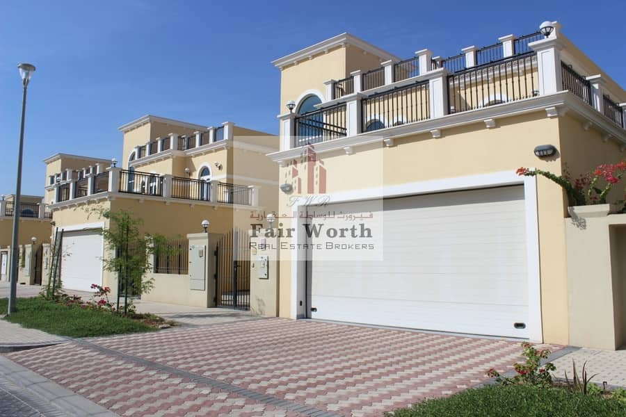 4 BHK Villa with Huge Garden and Parking