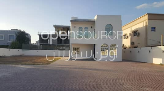 3 Bedroom Villa for Rent in Umm Al Sheif, Dubai - Renovated Fully Independent villa with Large Garden