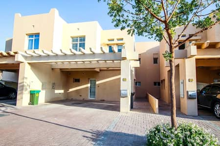 3 Bedroom Villa for Rent in The Lakes, Dubai - 3 Bedroom | Near the Pool | Type B Middle