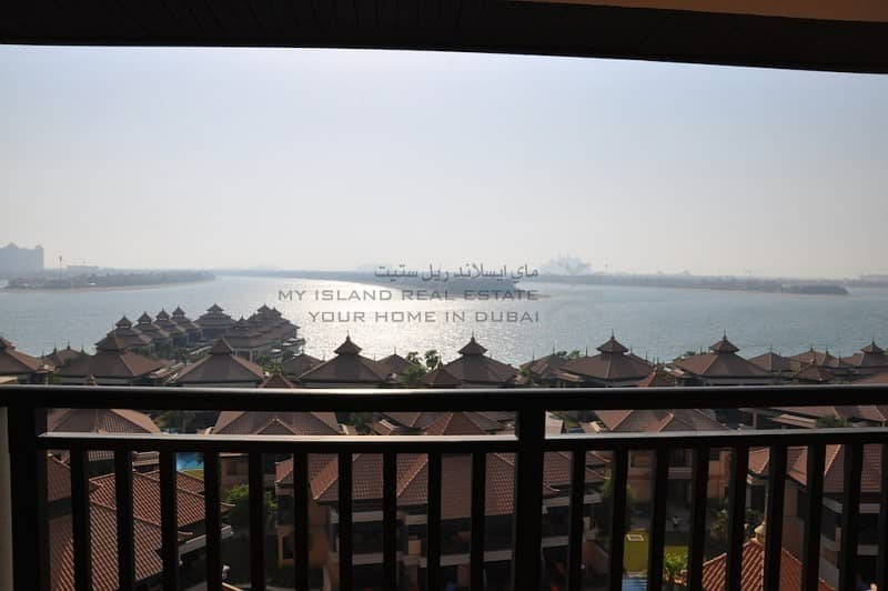 Best Priced Central 2 bed with Lagoon view