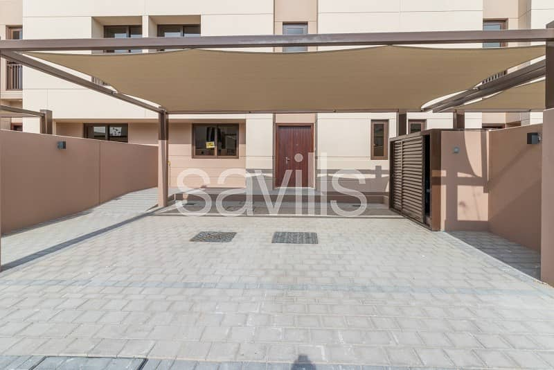 2 3 bed townhouse +maid's room in Al Narjis