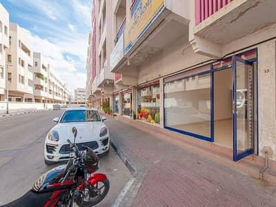 Shop for Rent in Al Karama, Dubai - Spacious 300 Sq.Ft. Shop | Al Karama