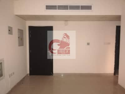 1 Bedroom Flat for Rent in Muwailih Commercial, Sharjah - Very Cheapest And Hot 1-BHK Available Just In 21-K Central Ac Full family Building Muwaileh