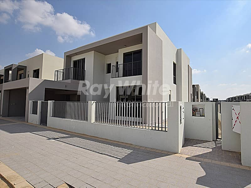 Contemporary Modern 5 Bed Villa In Sidra